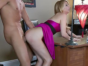 Lexi Belle Takes a Gangsta Fuck From Keiran Lee