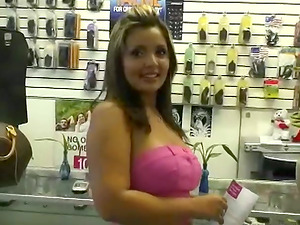 Glorious Big Titted Latina Luvs Fellatio and Gonzo Hookup