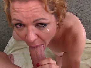 Mature blonde Kelly Leigh blows and gets a mouthhole of jizz
