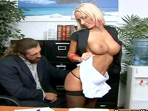 Lichelle Marie tempts her chief and fucks him in an office
