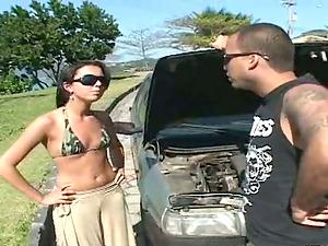 Rennata fucks a dude to thank him for repairing her car